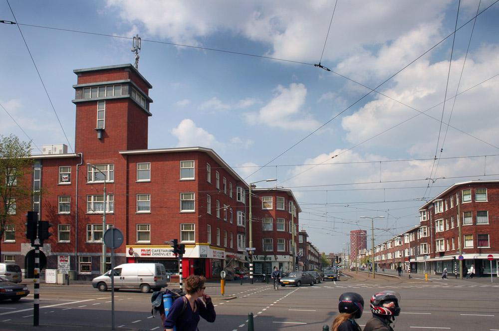 jonckbloedtplein laakkwartier nieuwe haagse school architectuur
