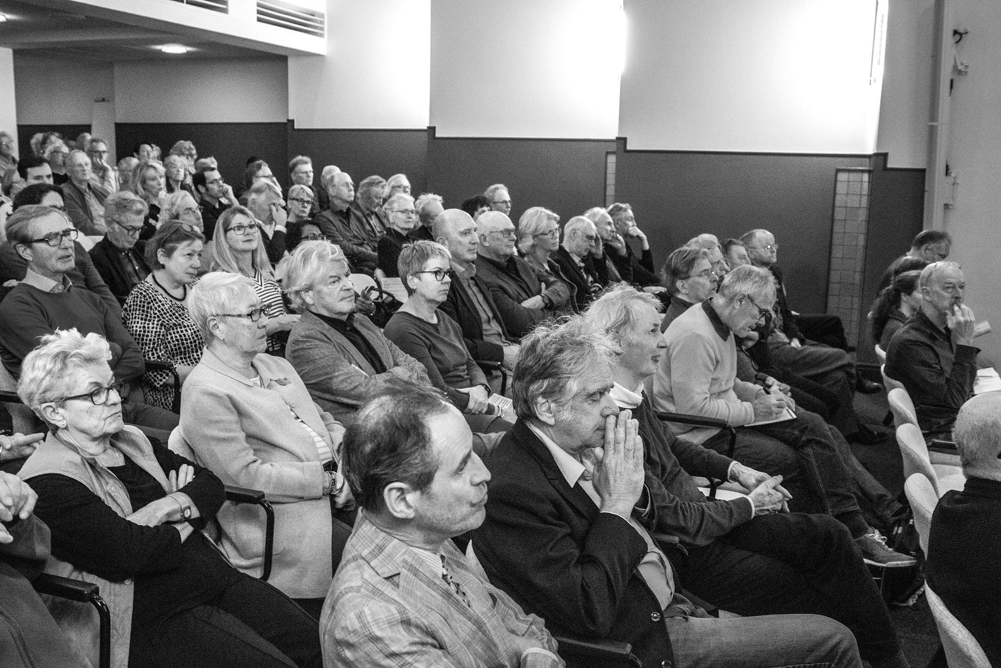symposium: over het verleden, heden en toelomst van de stad