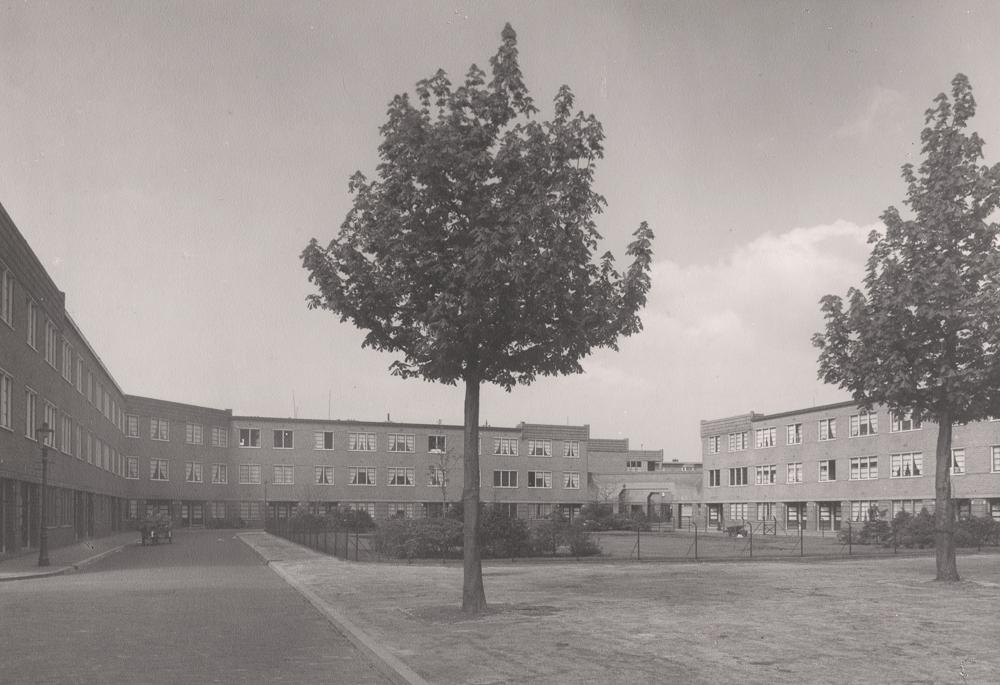 plein in Nieuwe Haagse School stijl Heesterbuurt