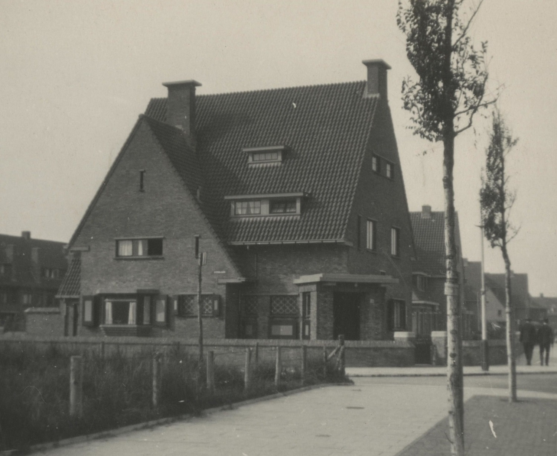 landhuis architect JB Fels Nieuwe haagse school