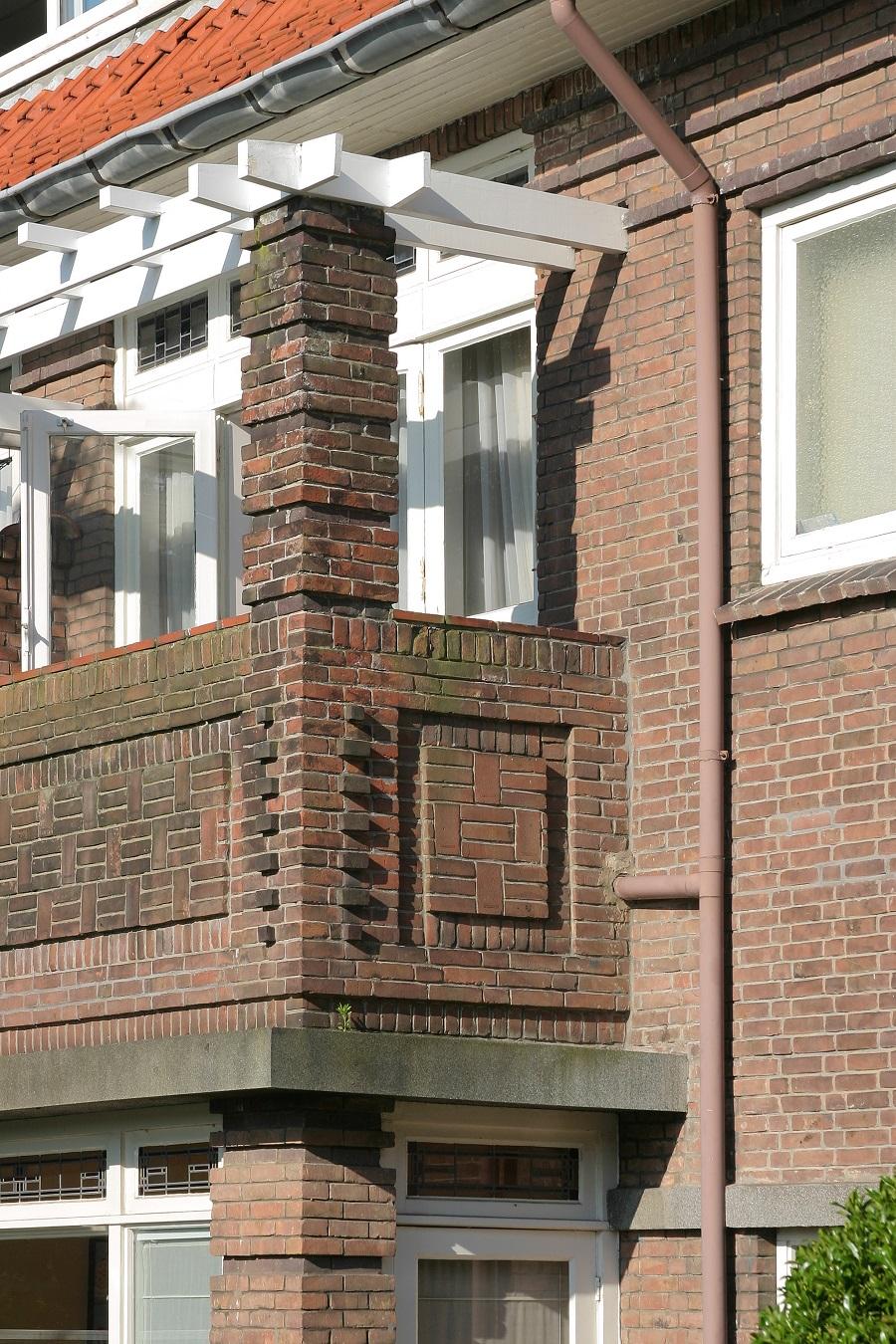rijke bouwkundige detaillering nieuwe haagse school vogelwijk
